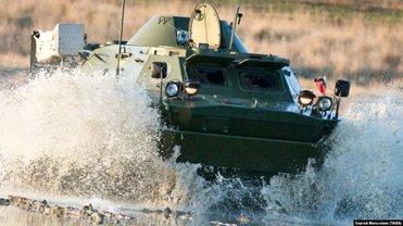"""Русские утопили броневик в Керченском проливе во время """"патриотической акции""""  - фото 1"""