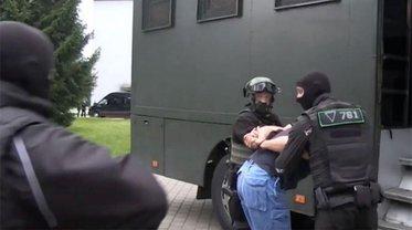 Власти Украины отрицают причастность к попаданию русских наемников в Беларусь - фото 1