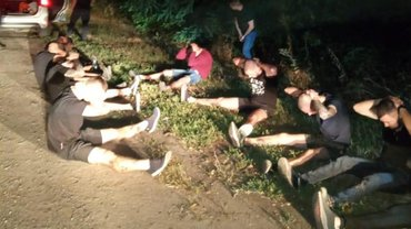 """Задержанные оказались бойцами """"Нацкорпуса"""", но в полиции об этом умалчивают - фото 1"""