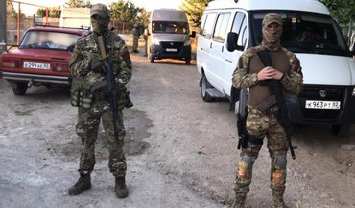 В Крыму оккупанты нагло вломились в дома татар: Что происходит? - фото 1