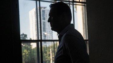 Из-за отравления Навального русских могут снова обложить санкциями - фото 1
