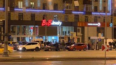 Магазины B2B Jewerly работают как ни в чем ни бывало - фото 1
