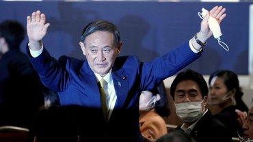 Ёсихидэ Суга - новый премьер Японии - фото 1