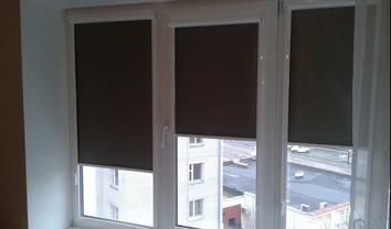 Стильные и долговечные тканевые ролеты на окна: какой вариант стоит выбрать - фото 1