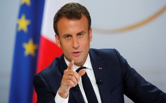На президента Франції напав навіжений - фото 1