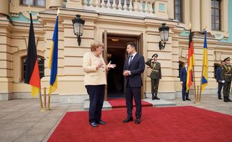 Меркель обіцяє не кидати України на призволяще - фото 1