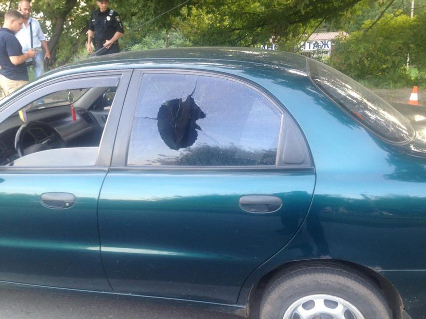 Военный в Харькове расстрелял такси, в котором ехал - фото 9536