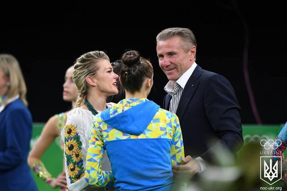 Украинка завоевала бронзу с художественной гимнастики на Олимпиаде в Рио - фото 9485