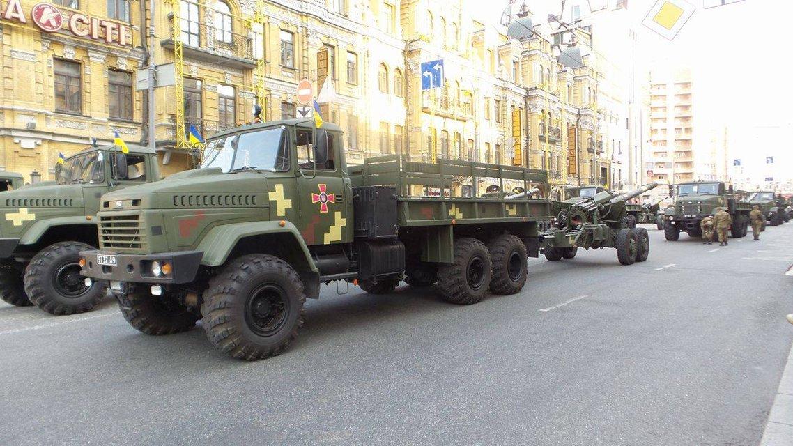 В Киеве проходит финальная репетиция военного парада ко Дню Независимости  - фото 9736