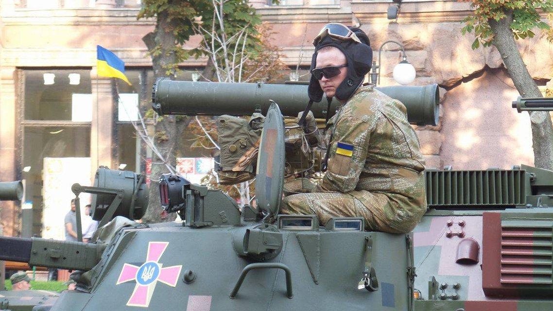В Киеве проходит финальная репетиция военного парада ко Дню Независимости  - фото 9739