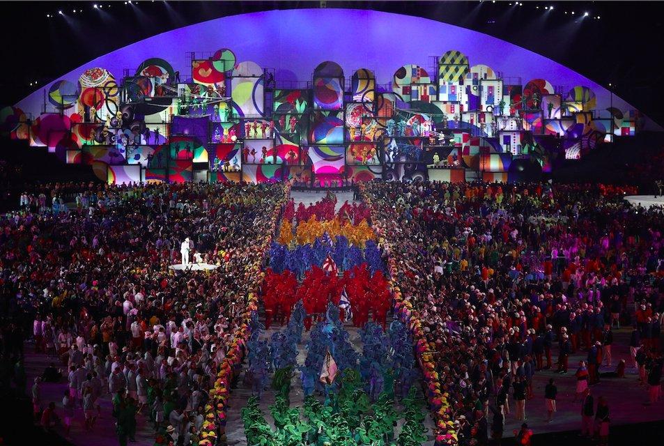 Украина вышла на открытие Олимпиады в Рио 195-ой из 207 стран-участниц - фото 7606