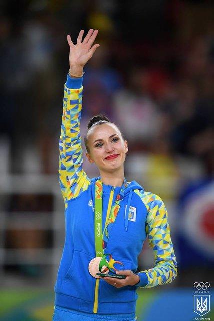 Украинка завоевала бронзу с художественной гимнастики на Олимпиаде в Рио - фото 9487