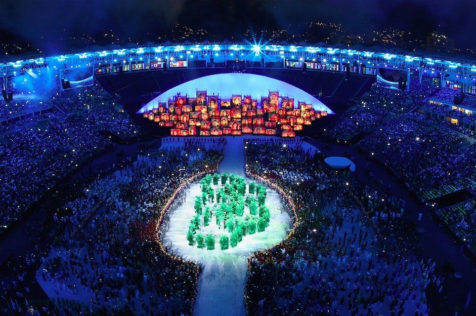 Украина вышла на открытие Олимпиады в Рио 195-ой из 207 стран-участниц - фото 7609