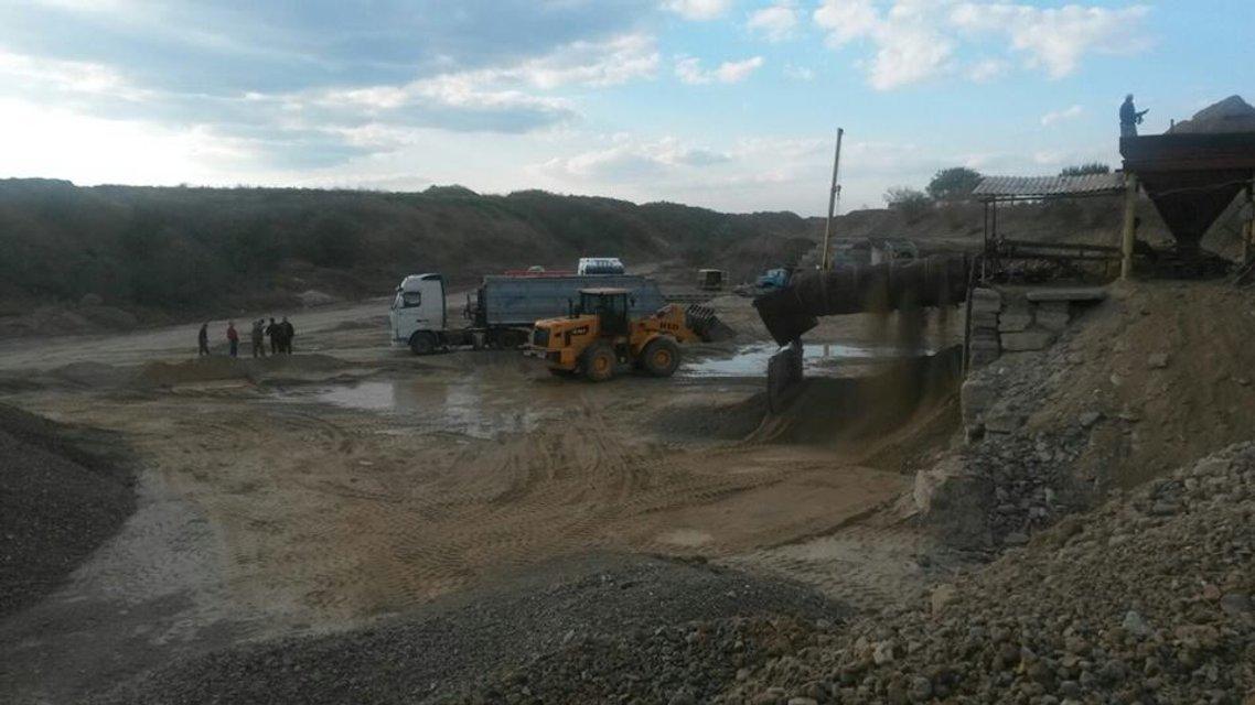 В Одесской области разоблачили три нелегальных карьера по добыче песка - фото 16709