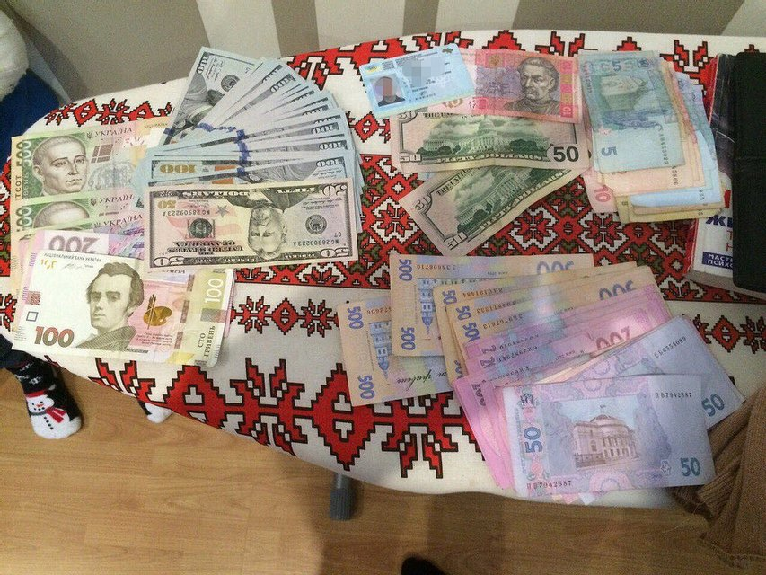 При задержании наркоторговцев в Закарпатской области изъяли товара на 150 тыс. грн - фото 16289