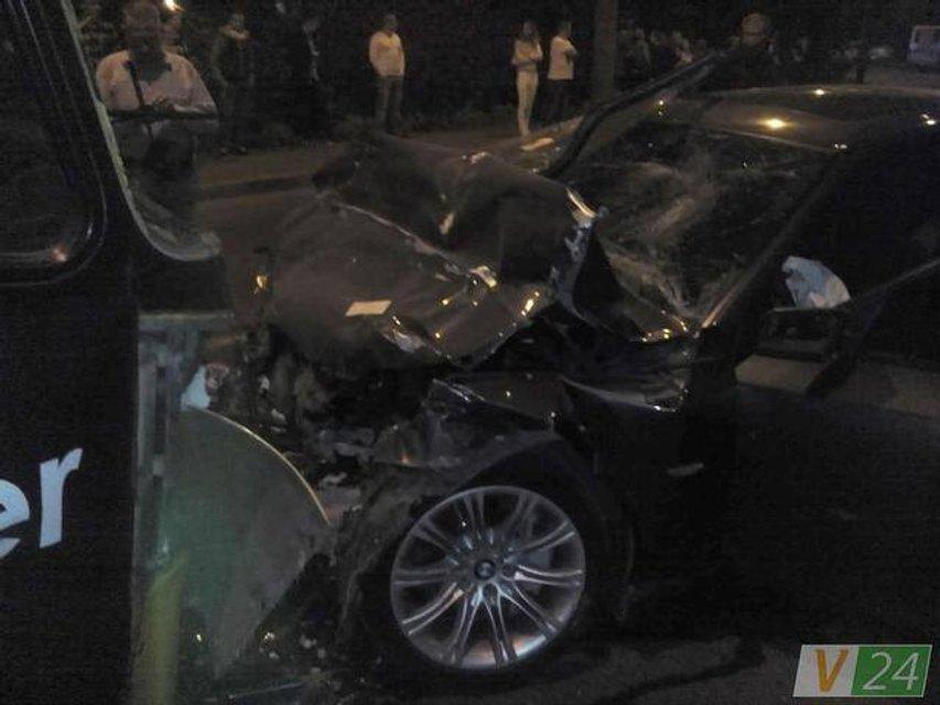 Смертельное ДТП в Луцке - БМВ по встречке врезался в маршрутку, много пострадавших - фото 15337