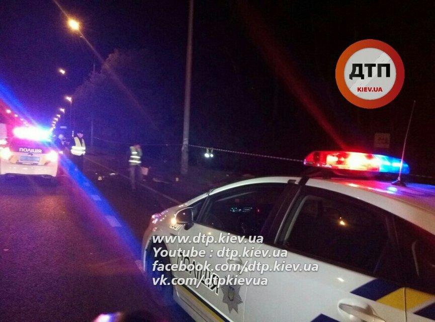 В жутком ДТП на житомирской трассе в Киеве погибло 4 человека - фото 15252