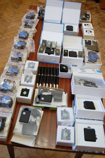 В Кропивницком СБУ перекрыла канал контрабанды средств скрытого аудио наблюдения - фото 18515