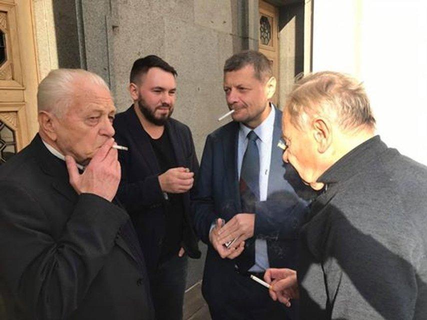 Мосийчук потолкался с охранником Медвечука в кулуарах Рады  - фото 21811