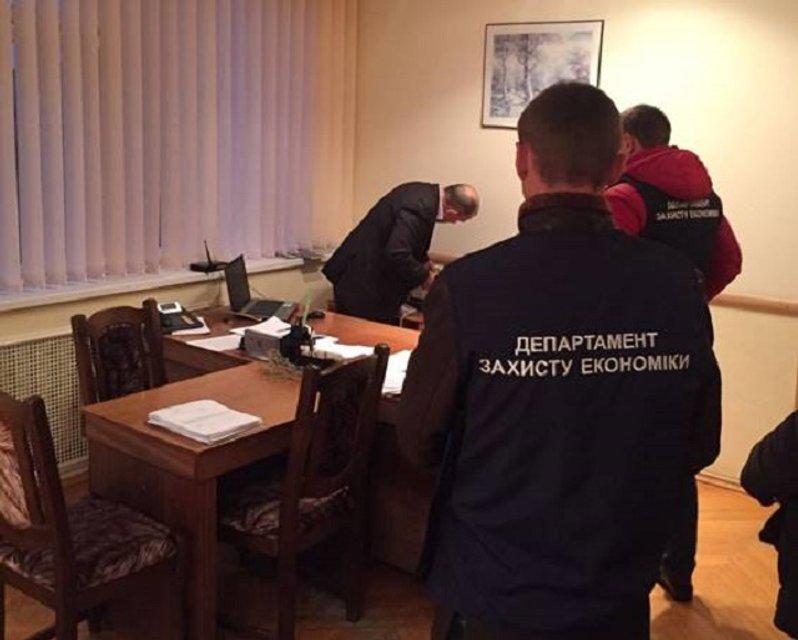 В Сумской области руководство газового предприятия разоблачено на взятке - фото 23363