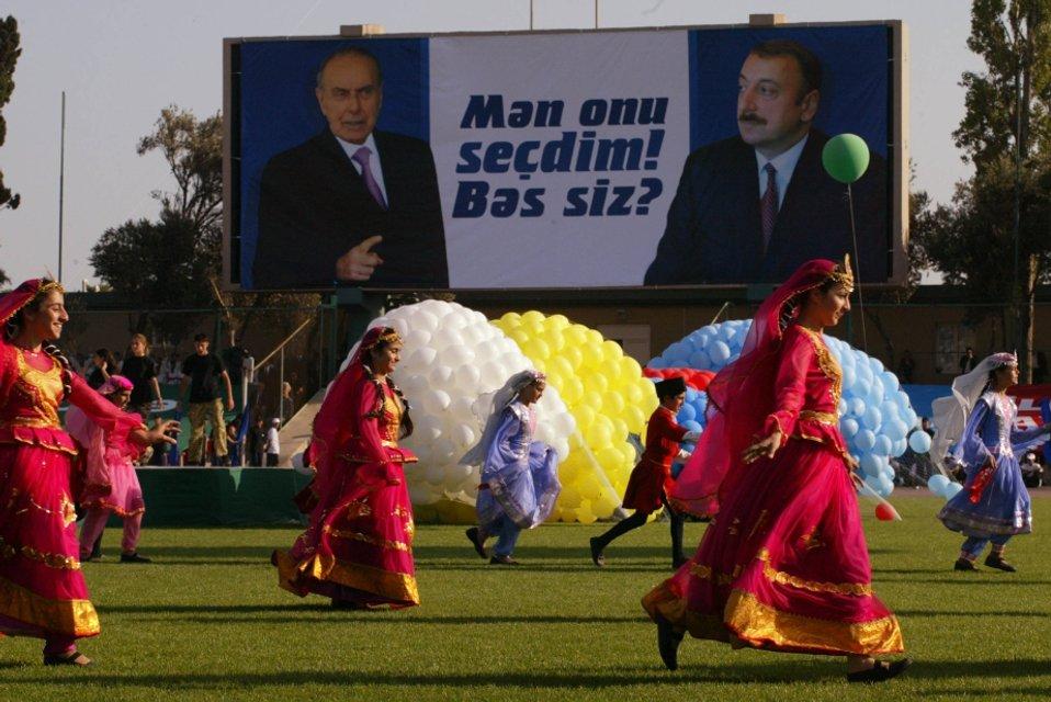 Давай, до свидания. Как Баку сумел безнаказанно выйти из-под влияния Москвы - фото 21288
