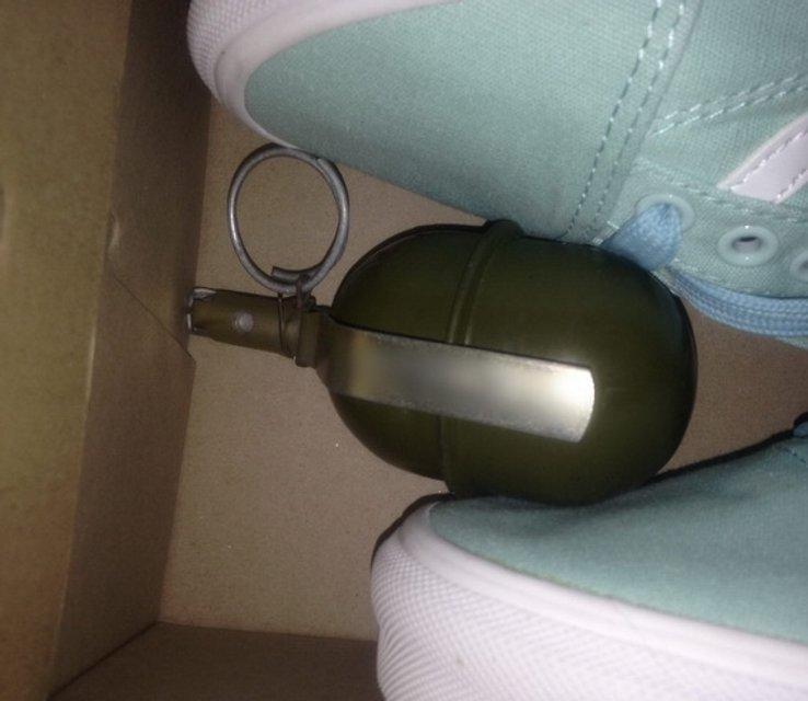 Вор прятал ору;ие и награбленное в камерах хранения киевских супермаркетов  - фото 24164