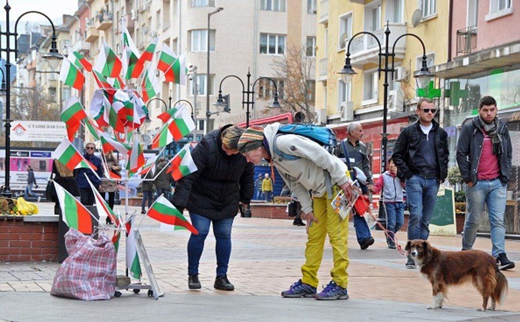 Курица – не птица. Как Болгарию неудержимо потянуло к социалистическому прошлому - фото 22022