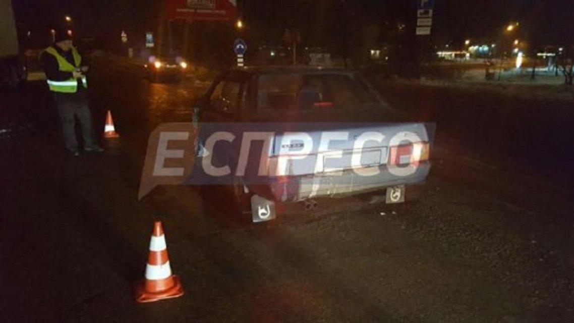 Пьяное ДТП в Киеве - водитель Лады устроил погоню с полицией и сбил женщину - фото 22277