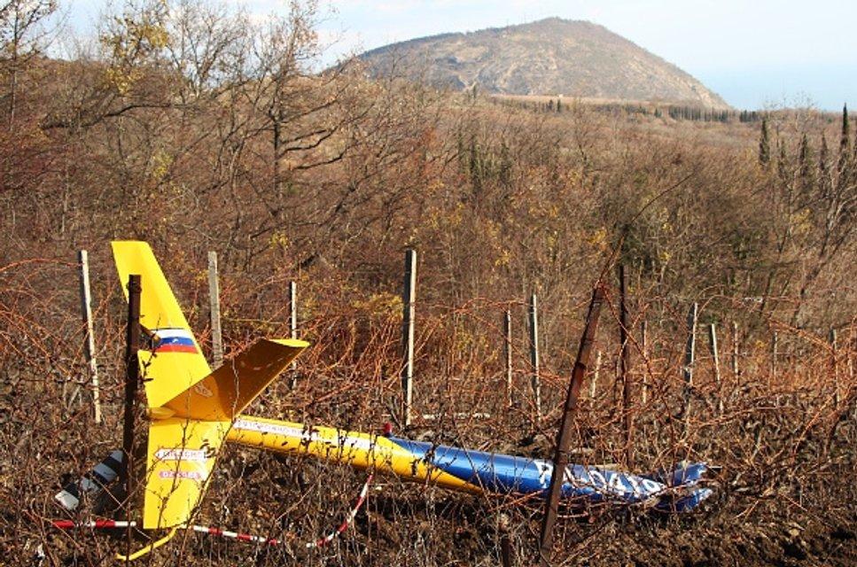 В Крыму разбился вертолет, никто не выжил - фото 23987
