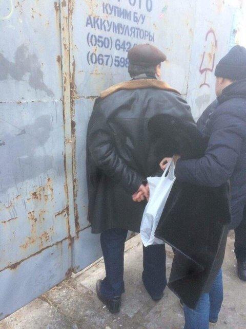 В Киеве на крупной взятке задержали ректора одного из ВУЗов   - фото 26307