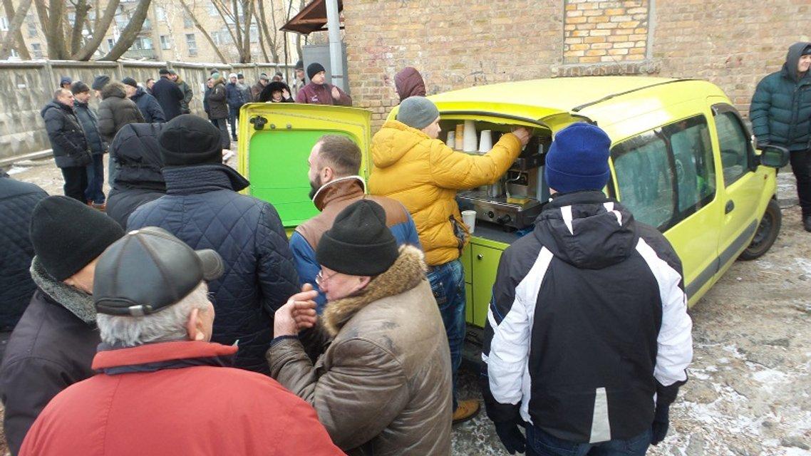 За крок до сміттєвого баку. Як «ляшківці» люстрували посадовців у Києві - фото 26300