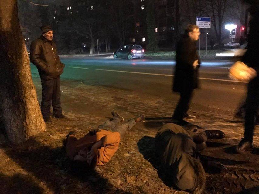 В Ужгороде пьяный сотрудник СБУ сбил двух пешеходов - фото 25706