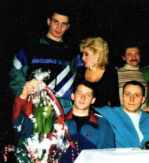 Кик-боксер в спортивках: в сети опубликовали фото молодого Кличко  - фото 24935