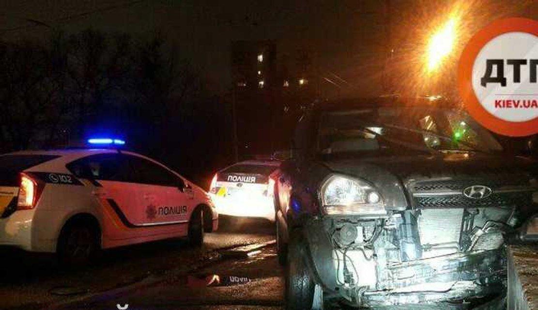 В центре Киева прокурор устроил гонки с полицией и ДТП - фото 28003
