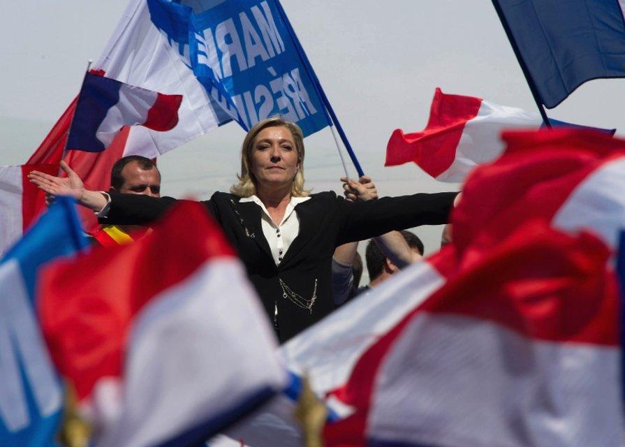 Ле Пен в зените славы - фото 24536