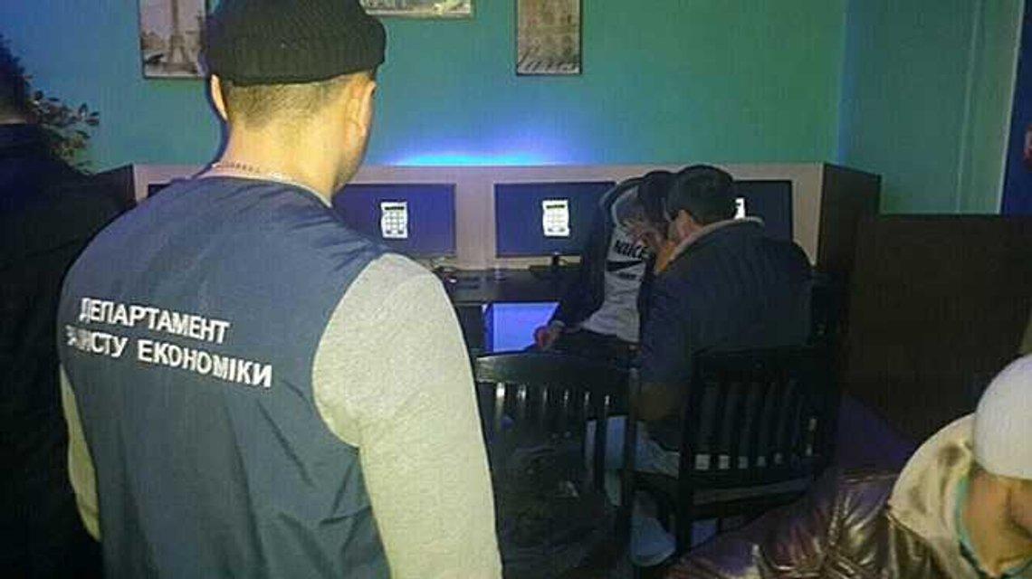 Полицейские накрыли 21 игорное заведение - фото 26419