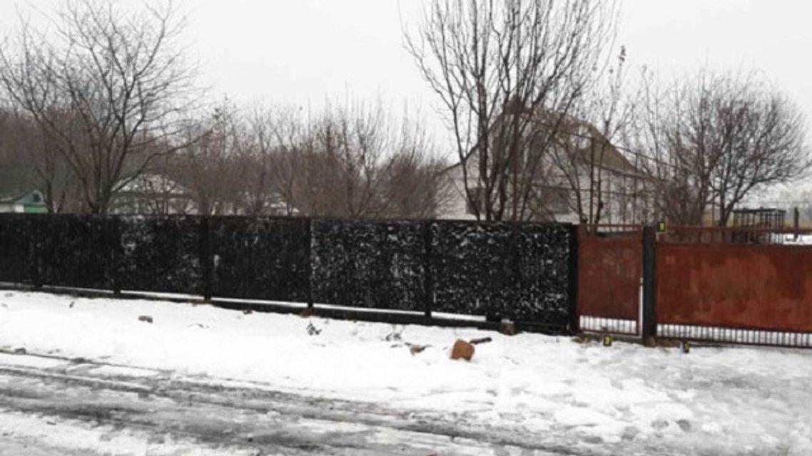 Взрыв прогремел в Полтавской области: во двор частного дома бросили боевую гранату - фото 25756