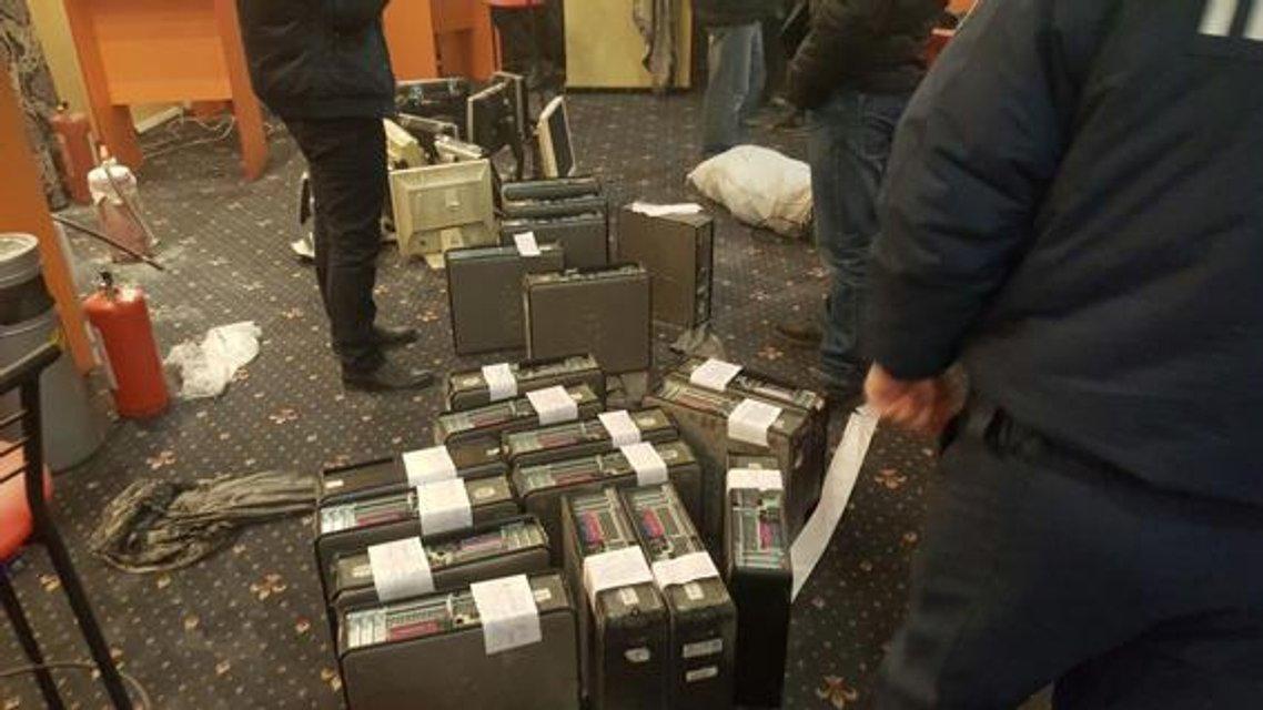 Полиция накрыла 65 подпольных казино - фото 27647