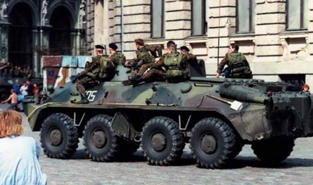 Військова техніка на вулицях Риги - фото 30997