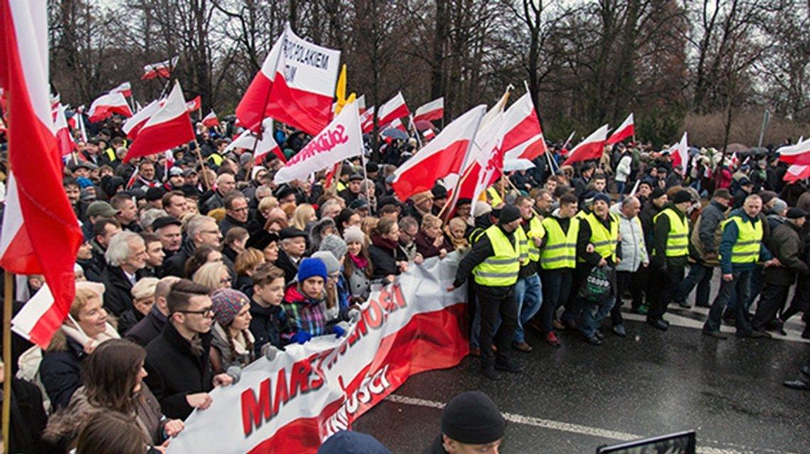 Завдяки россійській пропаганді в Польші зріз рівень радикально налаштованих - фото 31556