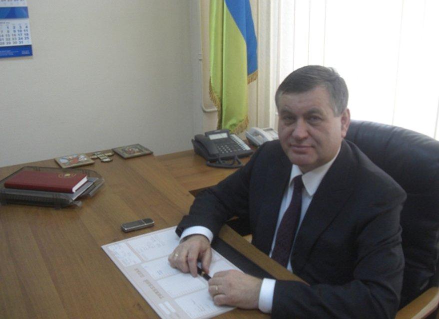 Глава Фонда соцзащиты инвалидов задержан на взятке в 700 тысяч гривен - фото 34813
