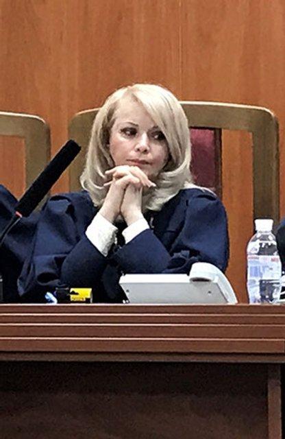 Син судді, яка подалася до Верховного Суду, став мільйонером у 23 роки - фото 36317