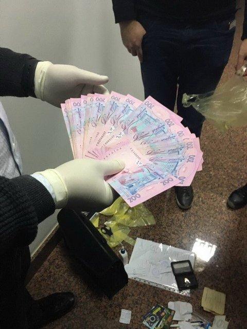 Глава отдела патрульной полиции Харькова попался на взятке - фото 36271