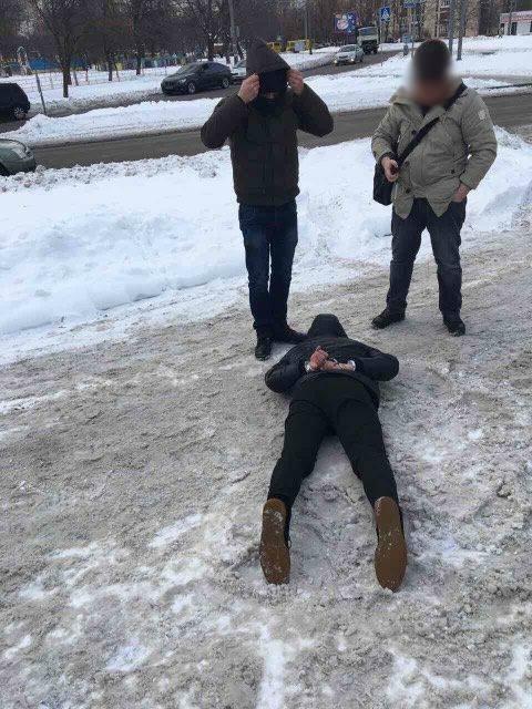 Инспектор Гоструда задержан при получении 112 тысяч гривен взятки - фото 34471