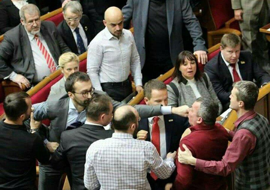 Сергей Лещенко наносит ответный удар - фото 33747