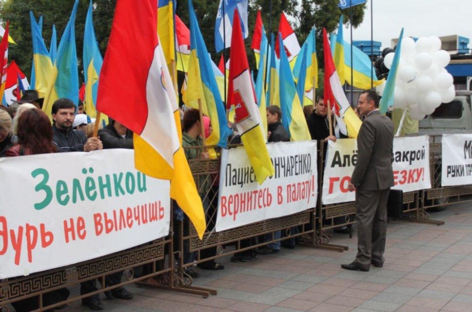 Волк и овцы. Как Алексей Гончаренко отпраздновал «День Советской армии» - фото 35855