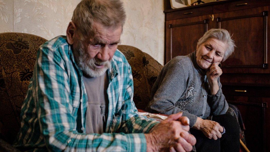 Як українська родина пенсіонерів бореться за виживання на лінії фронту - фото 35404