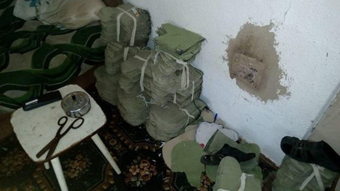 В Мариуполе чиновник пенитенциарной службы обокрал тюрьму - фото 34403