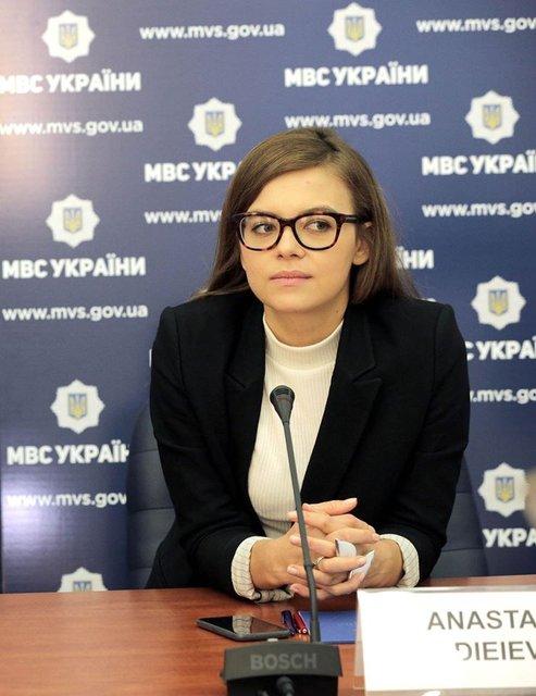 Деева рассказала про реформы, сырники и цветы от мужа - фото 34806