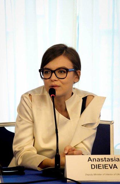 Деева рассказала про реформы, сырники и цветы от мужа - фото 34808
